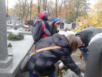 Wyjście na cmentarz przy ul. Limanowskiego